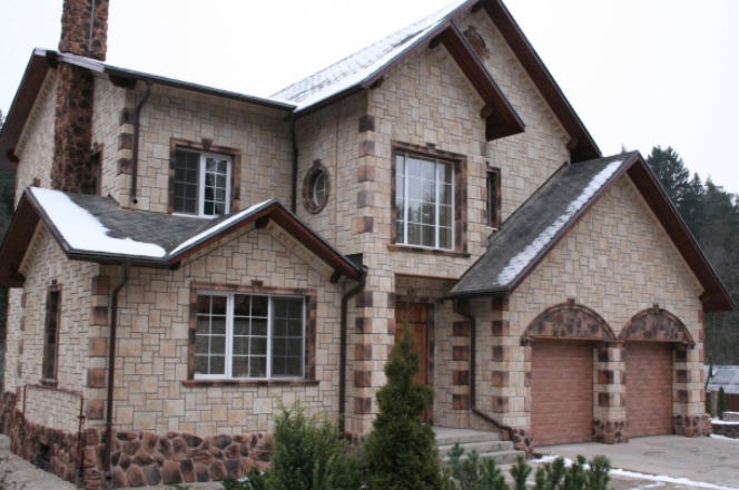 Преимущества облицовки дома искусственным камнем
