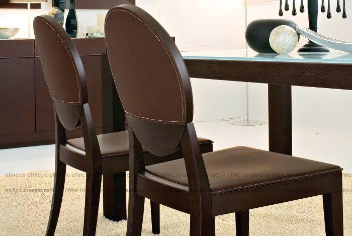 Кожаные стулья для украшения дома