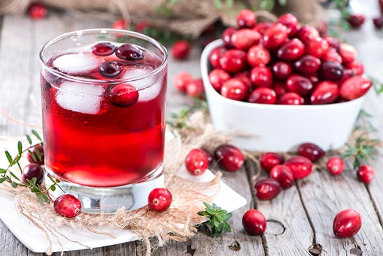 Из свежих ягод получается вкусный и полезный напиток, который хорошо утоляет жажду