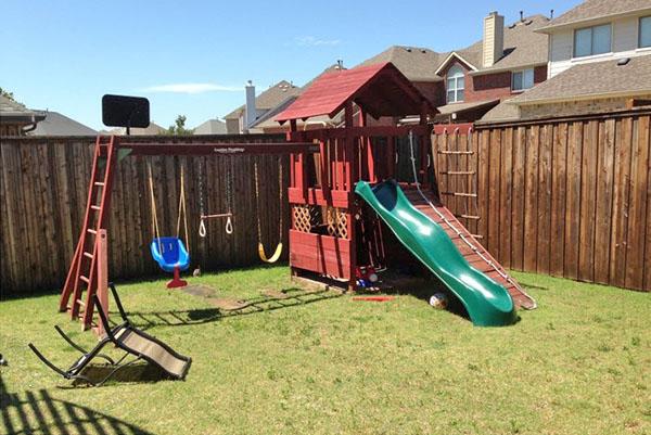 детская площадка в открытой зоне