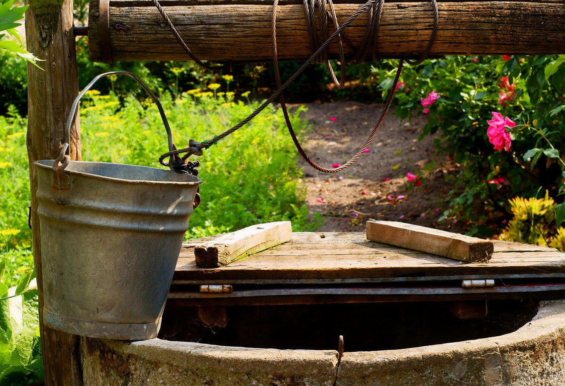 Что лучше выбрать – скважину либо колодец? Водоснабжение загородного дома.