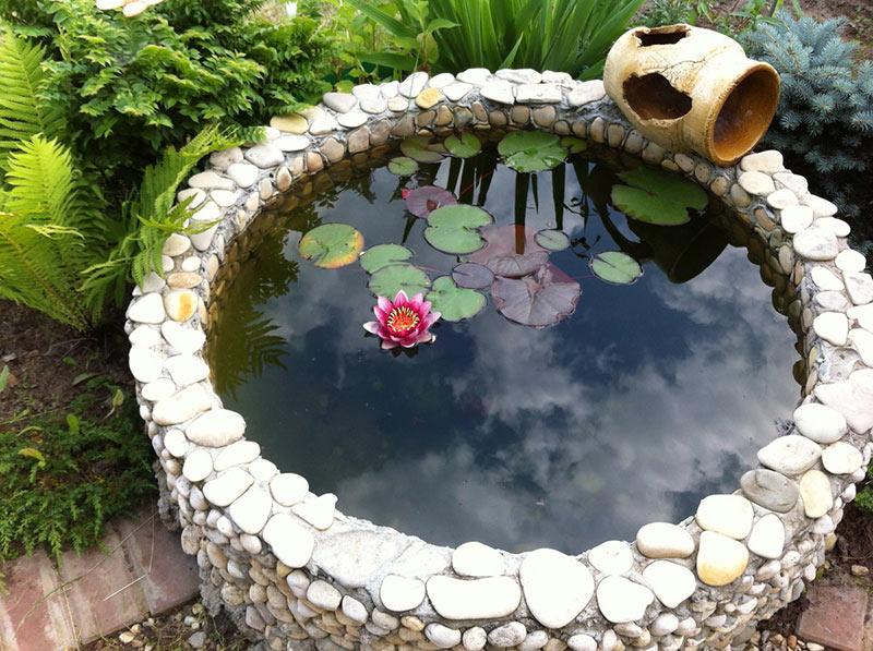 пруд из круглой ванны