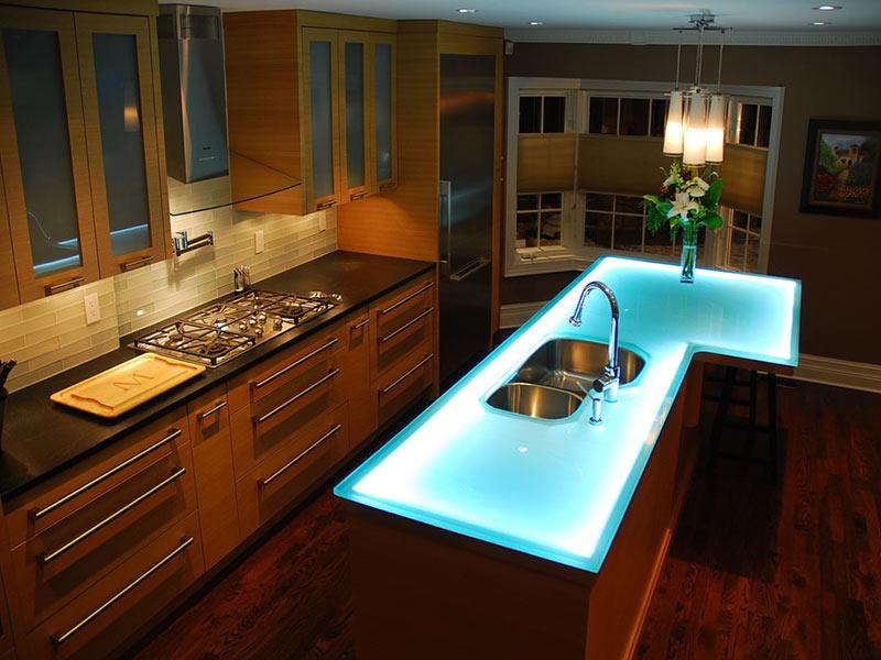 Какой светильник установить в рабочей зоне кухни?