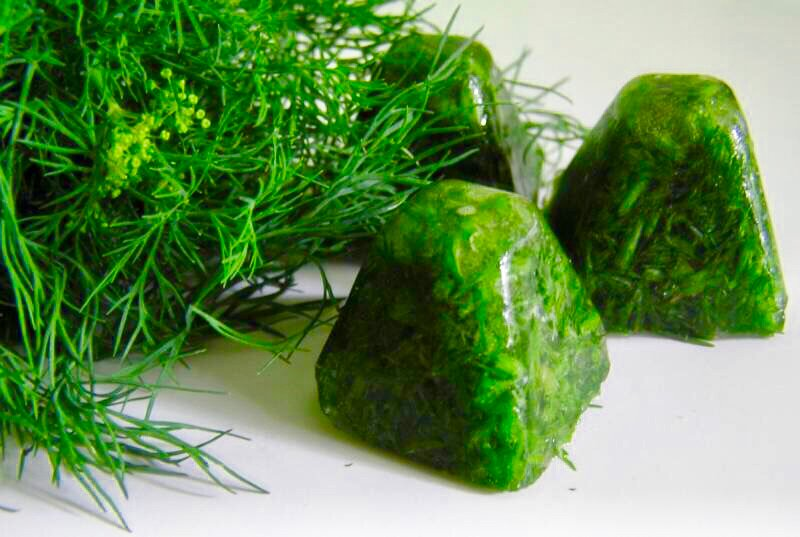 заморозка зелени кубиками