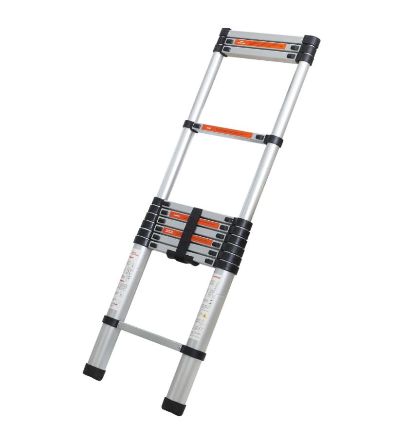 Все выше и выше: на что обратить внимание при выборе готовой лестницы для дачи