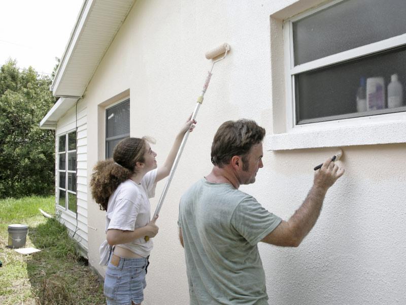 Время обновления: выбираем краску для штукатурного фасада
